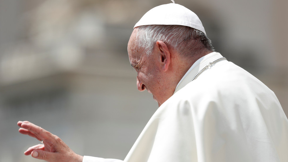 Pope Francis tells oil execs that radical energy transition is needed