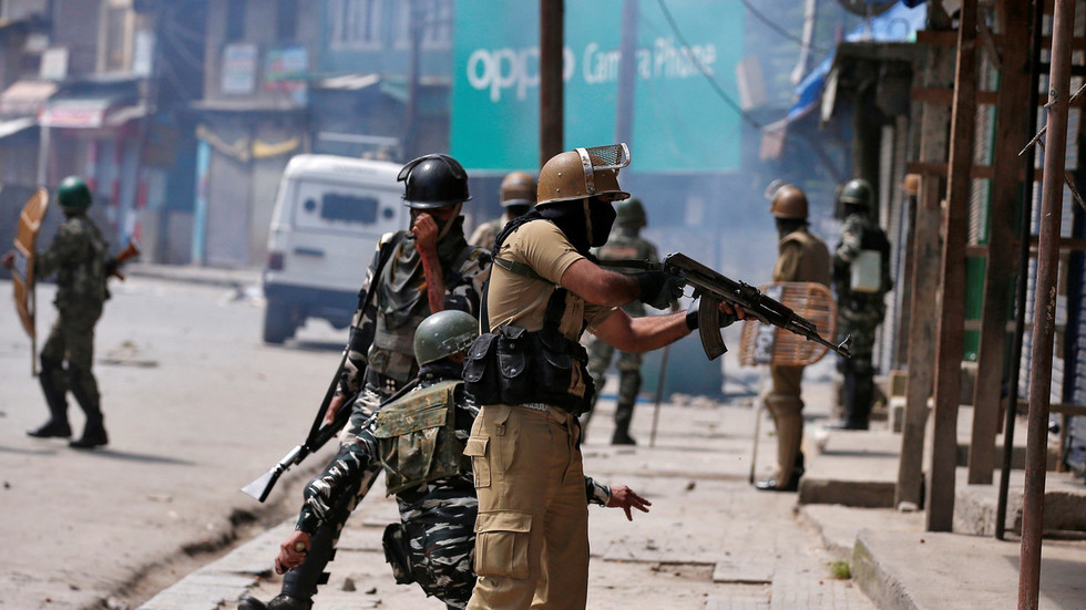 Indian soldier, army major killed in 2 days of clashes with militants in Kashmir