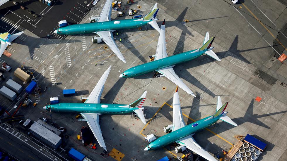 737 Max pilots need new simulator training, Hudson hero 'Sully' urges Congress