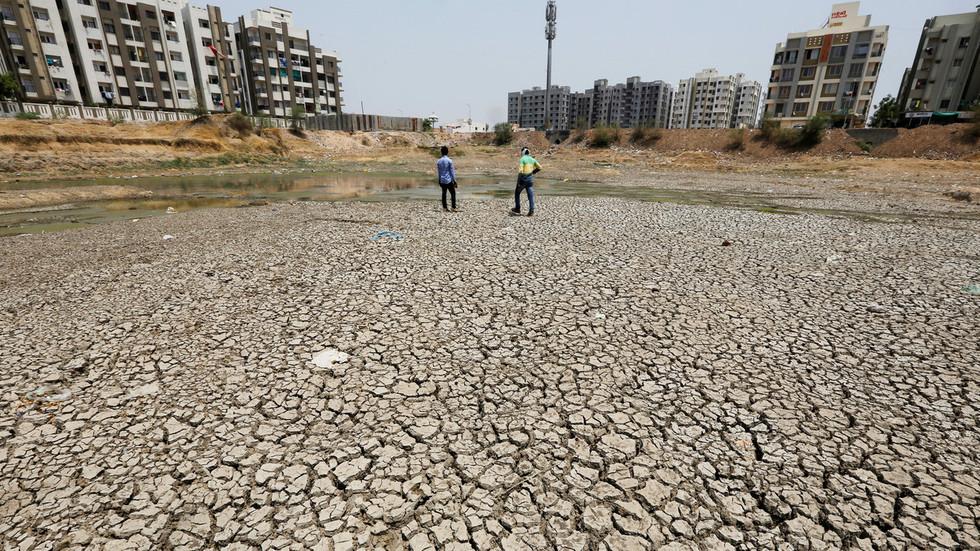 Indian heatwave kills 92 as temperatures soar to 50C