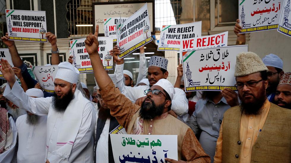 Fierce debate as Modi government reintroduces Muslim 'triple talaq' divorce bill