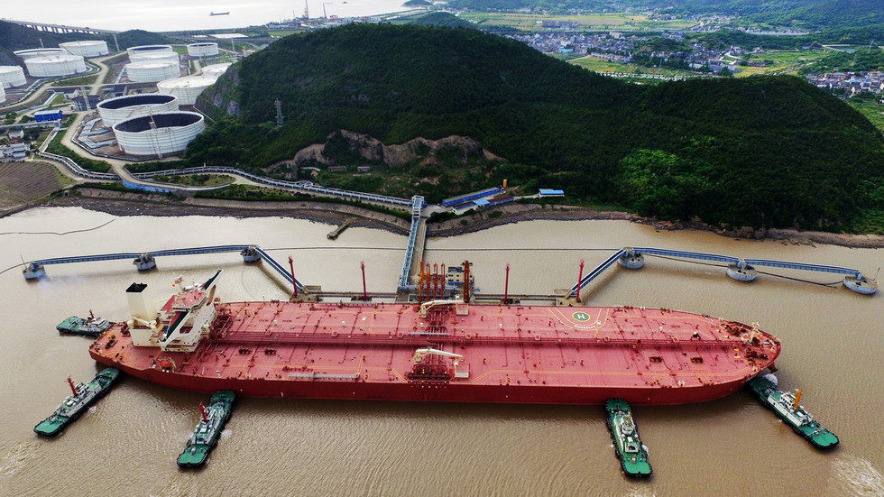 China presents world's first 'intelligent' mega oil tanker