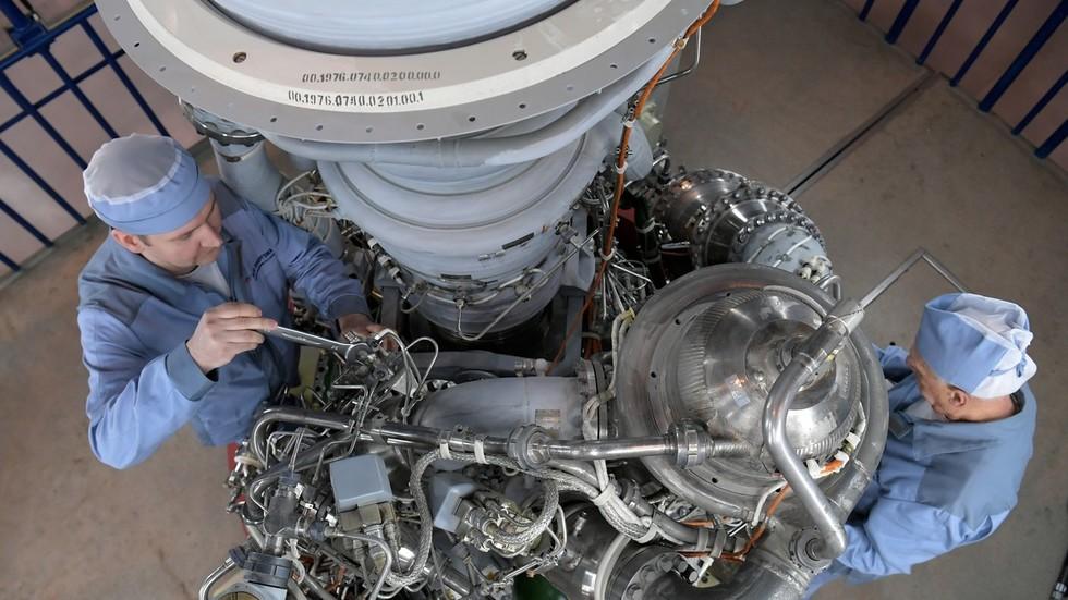 Why is NASA still using Russian RD-180 rocket engines?