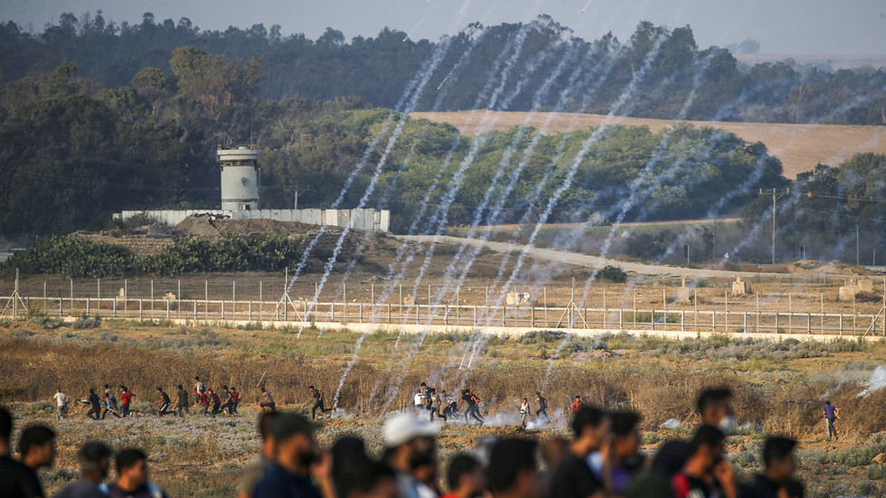 Up to 49 Palestinians wounded in clashes at Gaza strip border