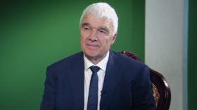 Substandard gold standards? Douglas Willms, International Academy of Education president