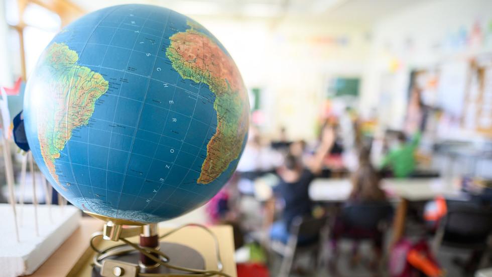 Mess-o-potamia: Ukrainian MP schools president's office over Canadian capital flub, makes own gaffe