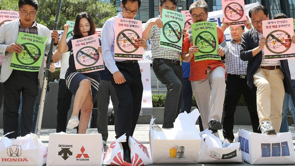 South Koreans urge boycott of Japanese goods in row over WWII forced labor