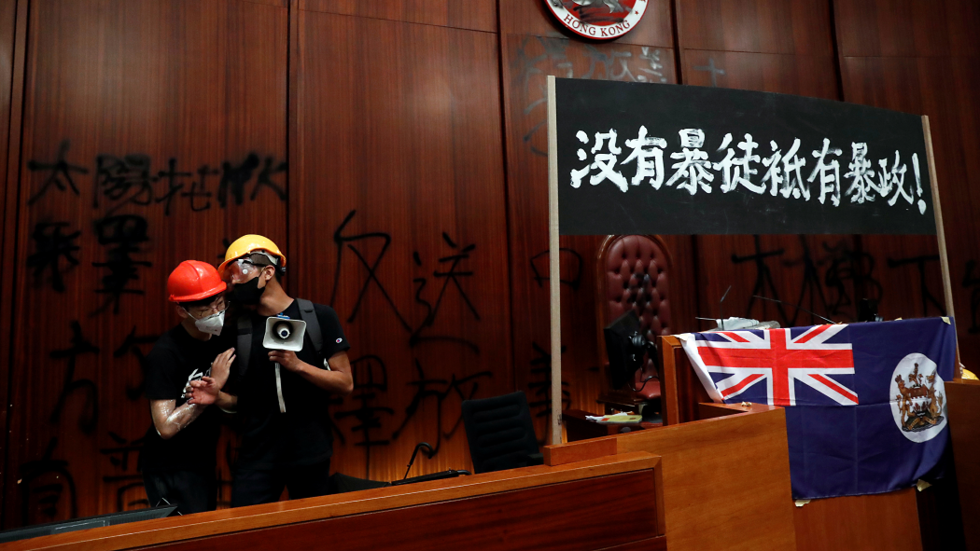 Colonial 'hypocrisy'? UK lectures China about 'freedoms' in Hong Kong