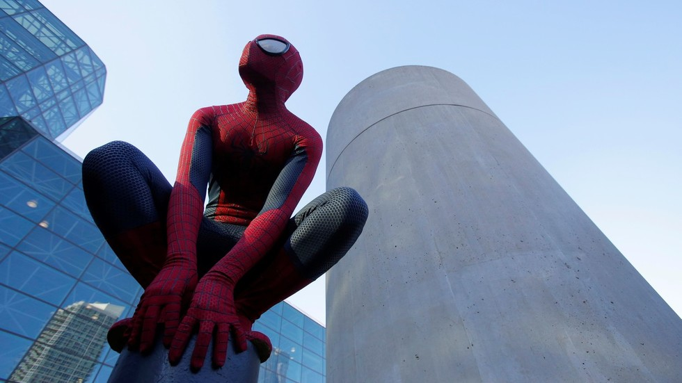 1000s sign petition urging Disney to re-think ban & allow Spider-Man on 4-year-old fan's grave
