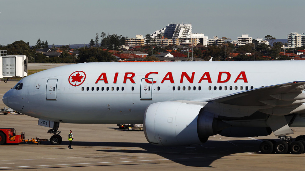 About 35 injured as Air Canada flight makes emergency landing in Hawaii