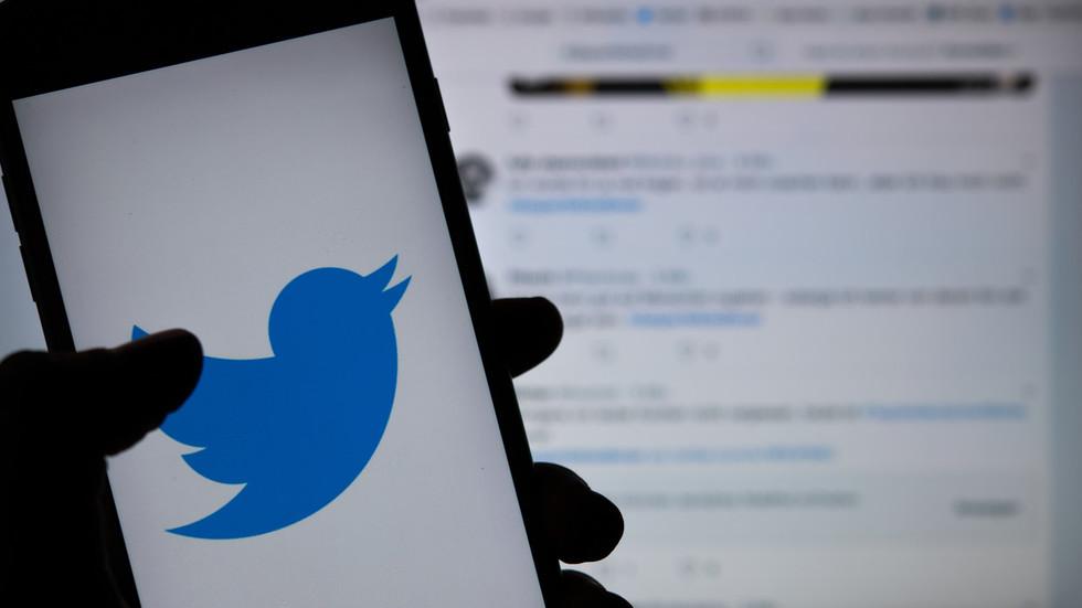Twitter goes down amid Trump's social media summit