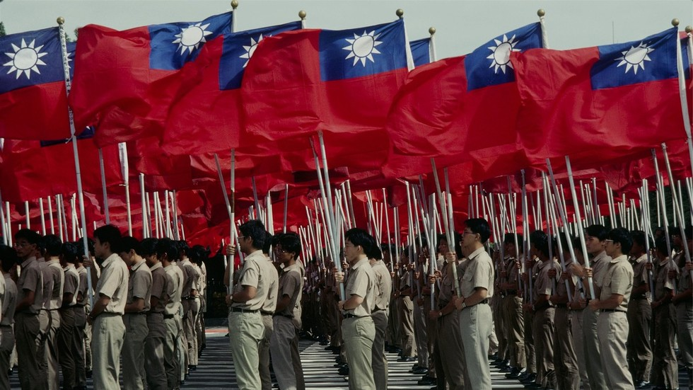 'Don't play with fire': Beijing warns US over Taiwan