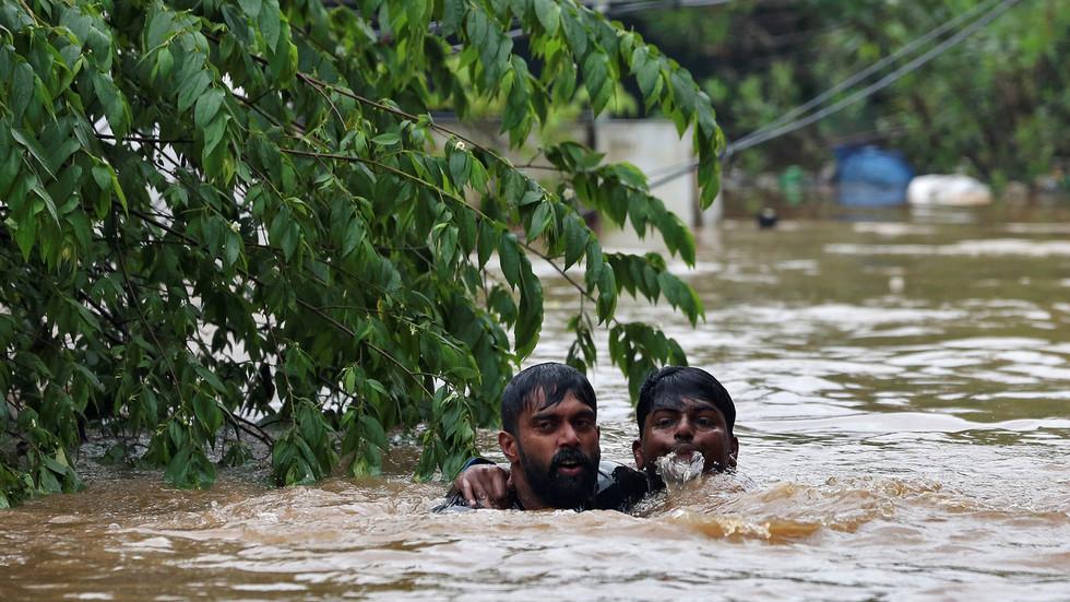 30 Killed, 100 Buildings Ravaged By Floods  Landslides -2635