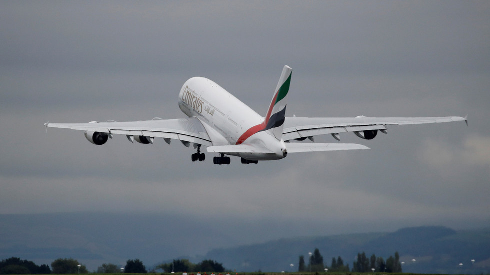 Emirates flight to Dubai TRASHED by turbulence, passengers injured