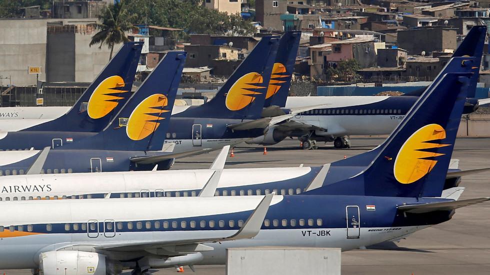 Pakistan & India lift all restrictions on civil flights 5 months after Kashmir standoff