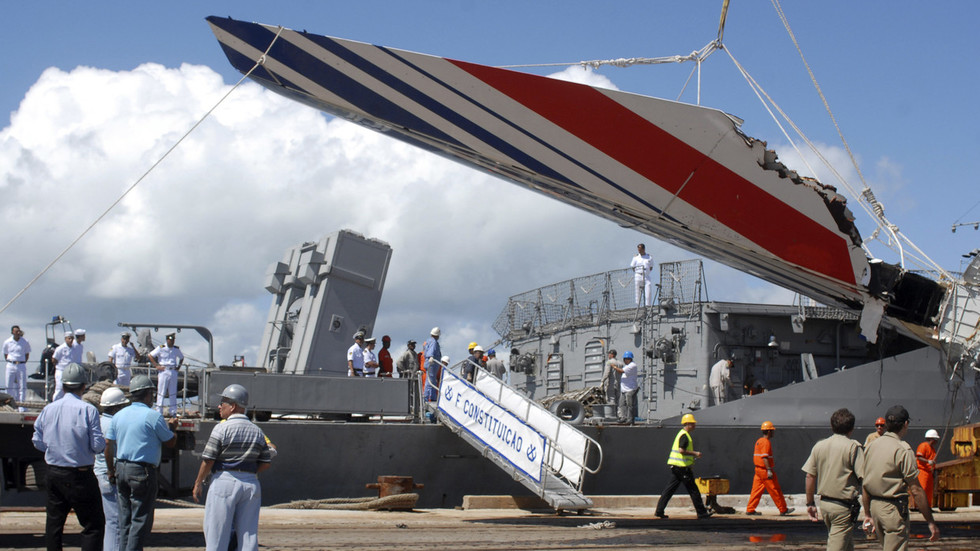Air France should face trial for manslaughter & negligence over Rio de Janeiro crash – prosecutors