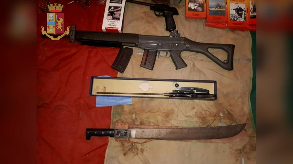 Hand grenades, rifle, crossbow & machete found in new neo-Nazi cell bust in Italy