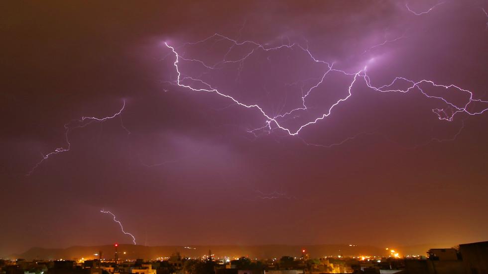 , Lightning kills 32, injures dozens as monsoon batters India, TravelWireNews | World News, TravelWireNews | World News