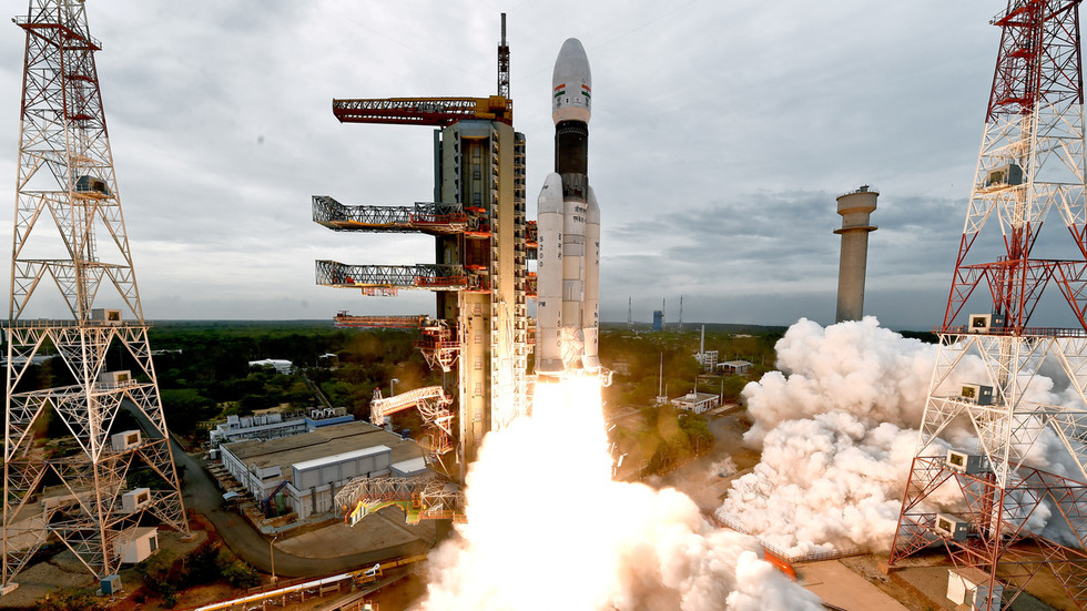 China offers to jointly explore Moon with India, hails successful Chandrayaan-2 mission launch