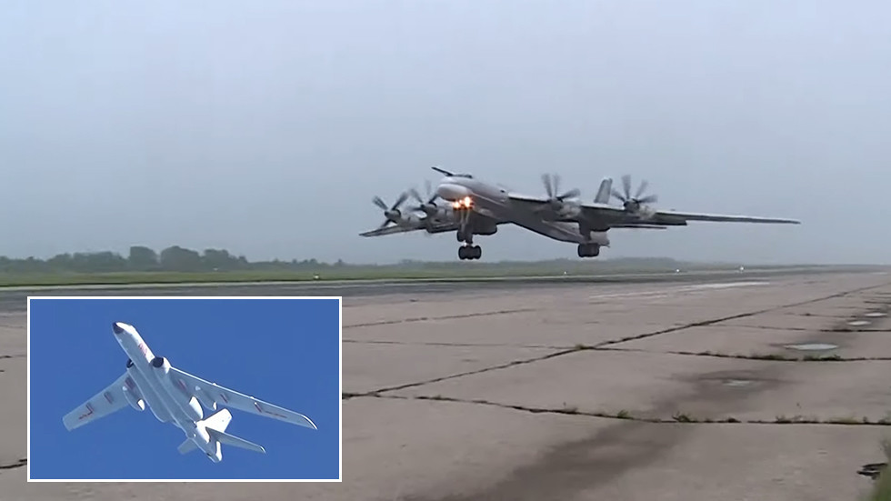 VIDEO of Russian & Chinese bombers on 'first' joint patrol in Asia-Pacific region