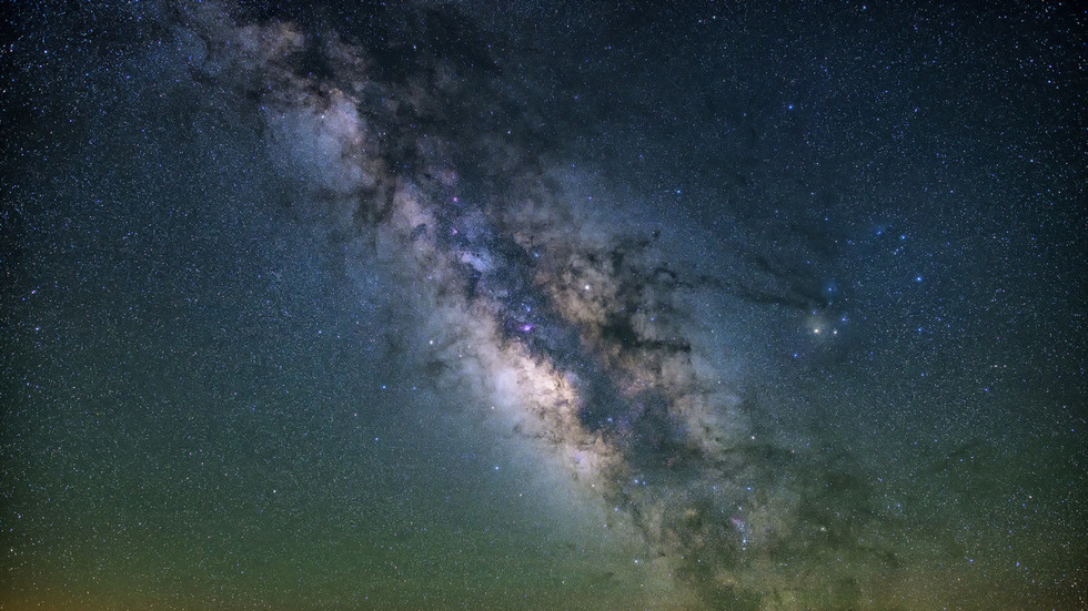 The Milky Way went cannibal and absorbed another galaxy when it was young