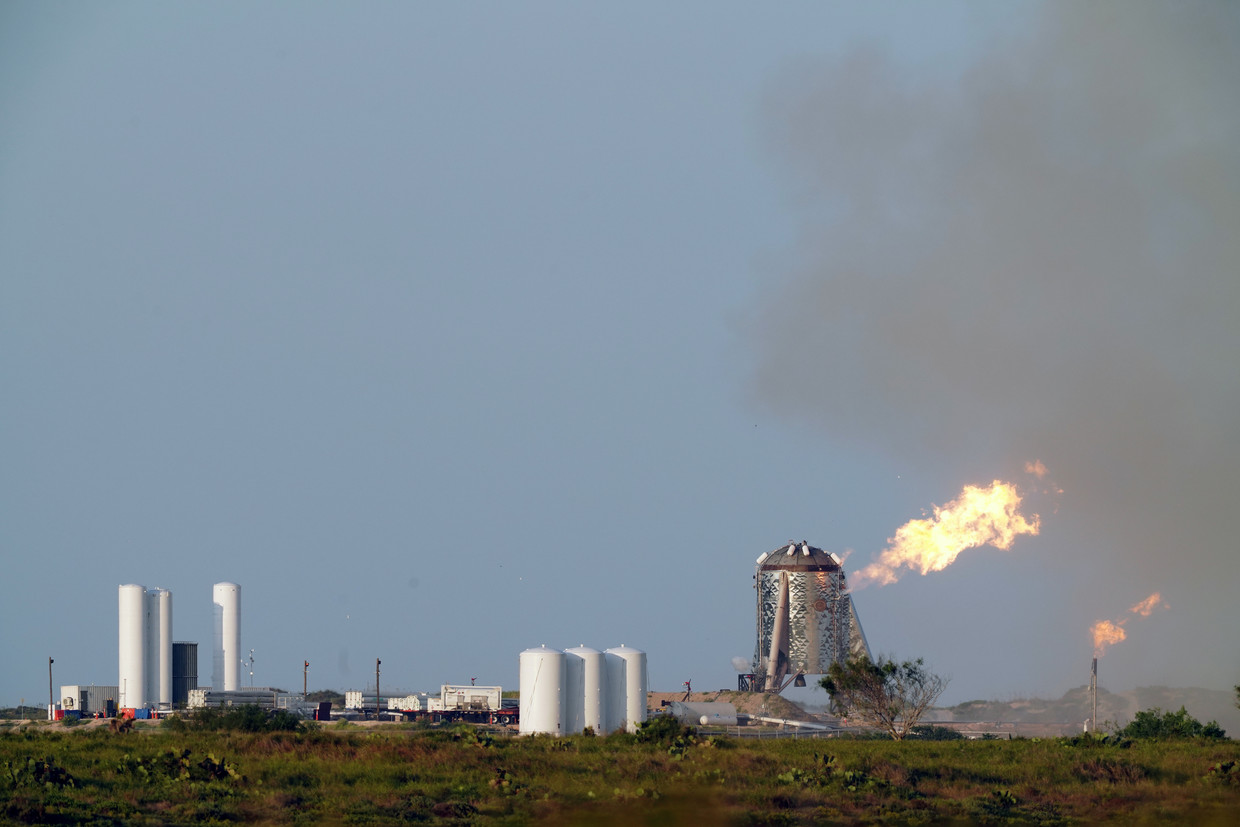 SpaceX Starhopper Completes First Untethered Flight
