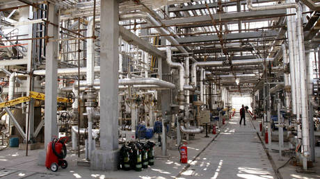 Arak heavy water production facility in Iran. © Reuters