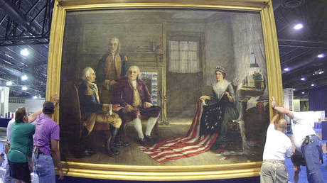 Workers move the painting of Philadelphia seamstress Betsy Ross and the Founding Fathers, painted in 1893 by Charles H. Weisgerber © Reuters