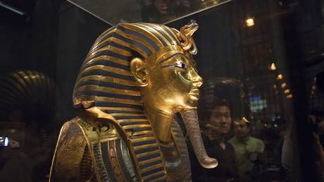The mask of Pharaoh Tutankhamun, on exhibit at the Egyptian Museum in Cairo (FILE PHOTO)