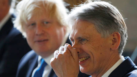 Chancellor Hammond backs threat of legal action against BoJo to prevent no-deal Brexit