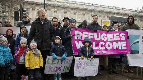 Campaigners call on the Prime Minister to reconsider the decision to close the 'Dubs' scheme to take refugee children into the UK © AFP / Justin Tallis