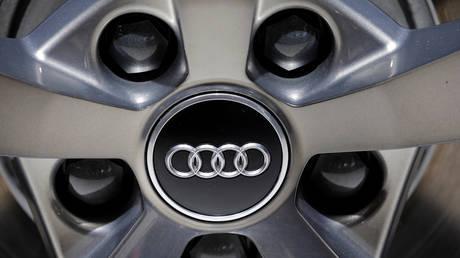 Audi logo © Reuters / Regis Duvignau