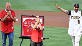 'Love you Swaggy': Mom of late baseball star Tyler Skaggs throws ceremonial pitch on emotional night
