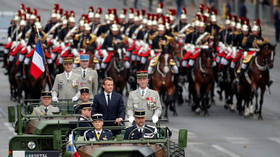Macron booed & told to 'step down' during Bastille Day parade in Paris (VIDEO)