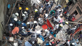 2 reportedly dead, dozens trapped as four storey Mumbai building collapses