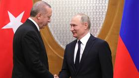 'The US and Russia are competing to sell weapons to Turkey'