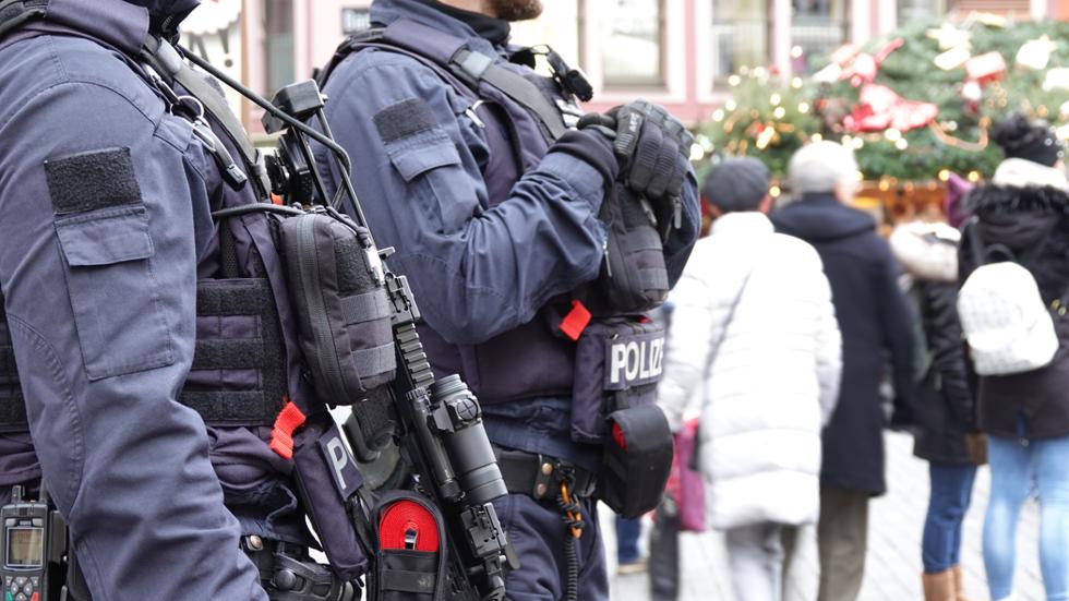 Suspect arrested after brutal SWORD murder CAUGHT ON CAMERA in Germany