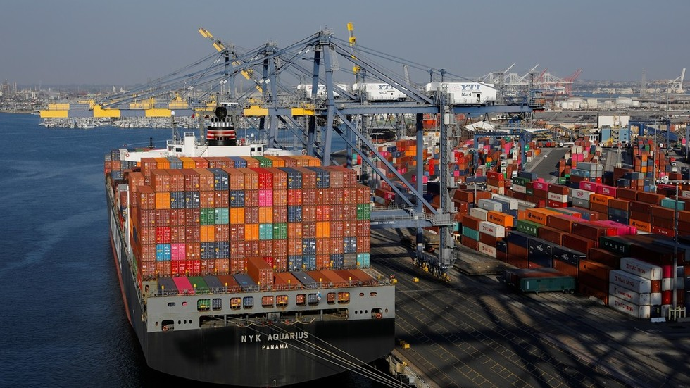 Higher tariffs & currency devaluation don't solve trade disputes, IMF warns US & China