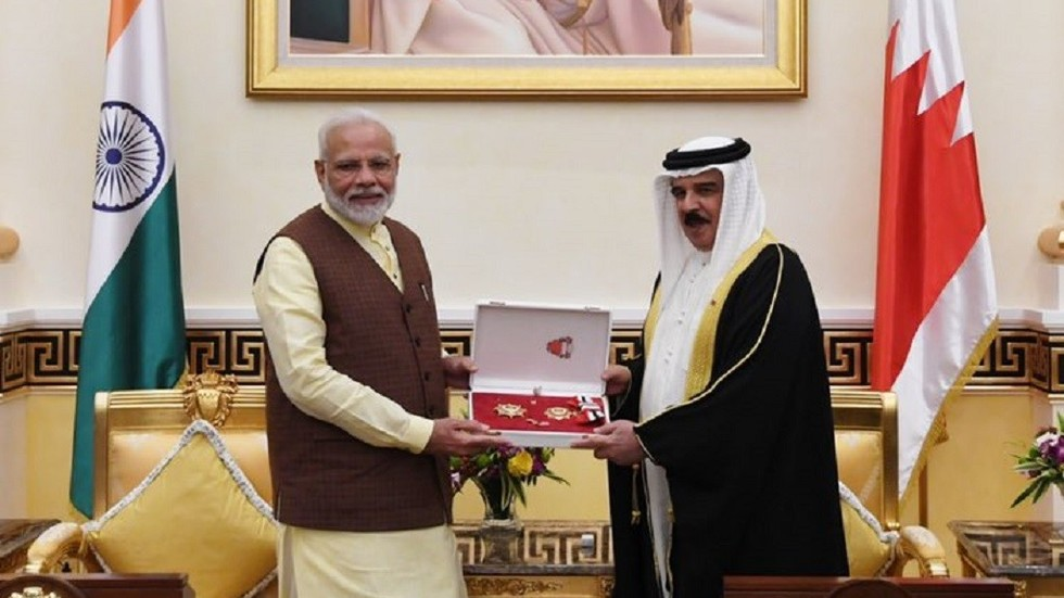 'Honor for entire India!' Modi scores two high state awards on Persian Gulf tour (PHOTOS, VIDEO)