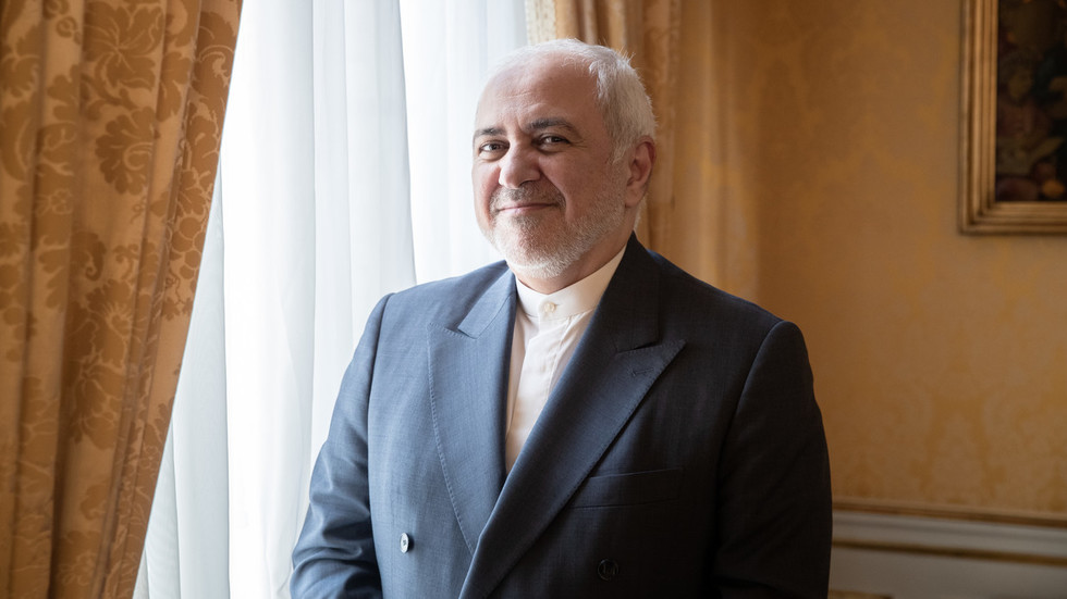 Iranian FM arrives to Biarritz where G7 leaders discuss fate of nuclear deal