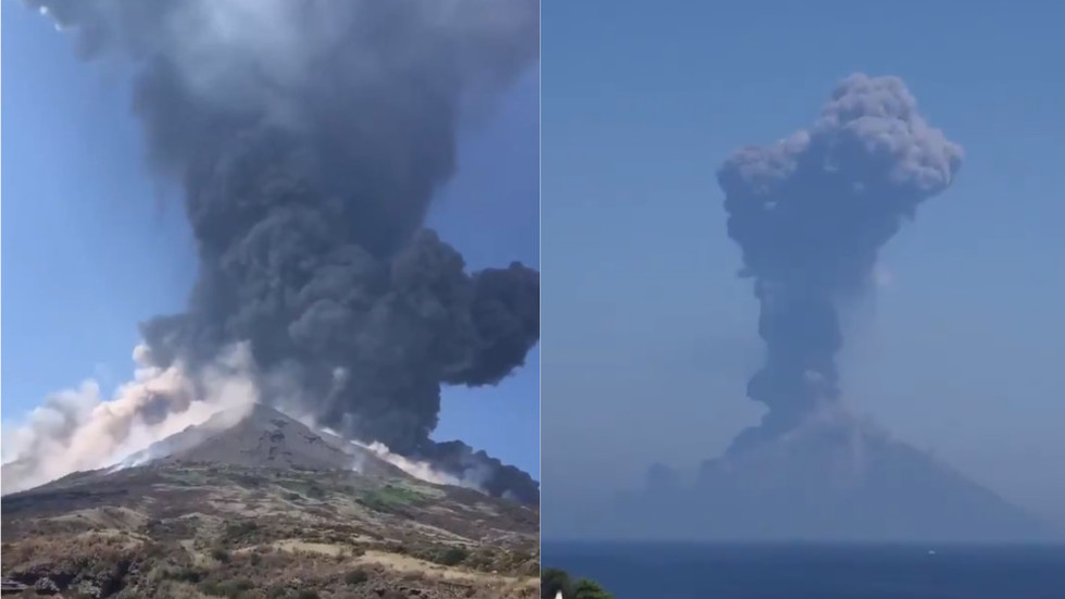 Italy s stromboli volcano erupts in huge explosion spewing for Italy b b