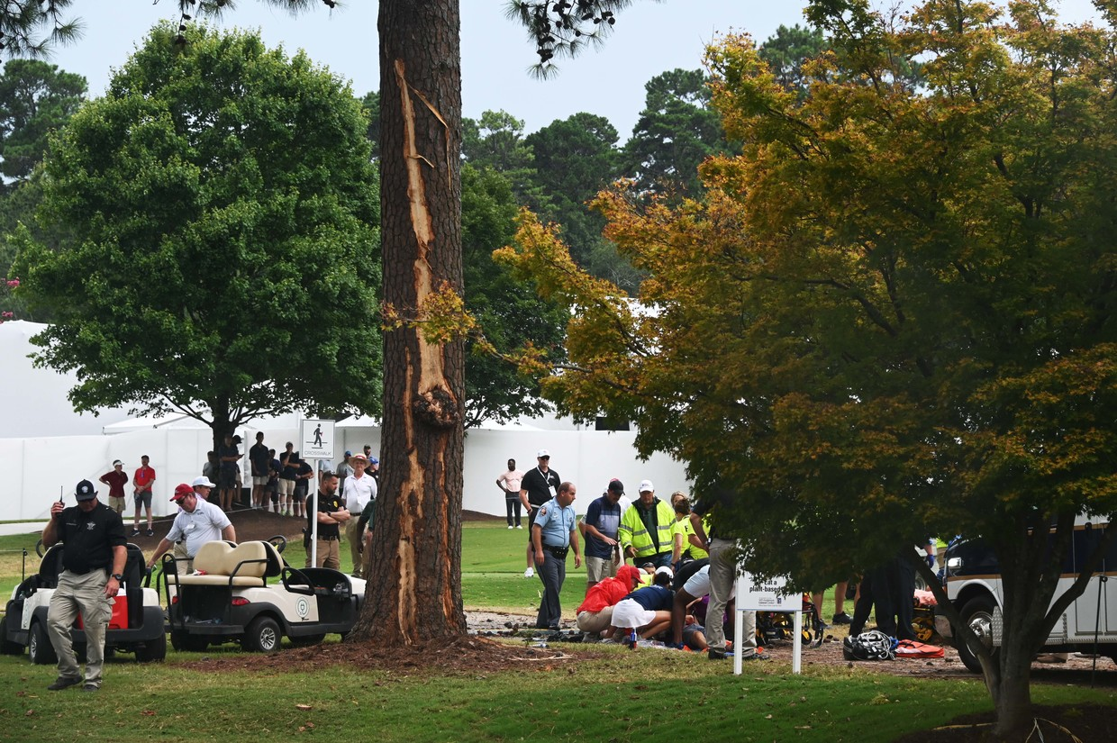 Lightning strike injures multiple fans at Tour Championship