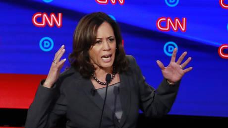 Kamala Harris gestures during the second Democratic debate © Reuters / Lucas Jackson