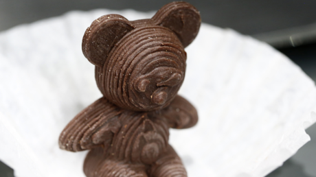 A chocolate bear printed with a 3D food printer of the company XYZprinting is seen the IFA Electronics show in Berlin, Germany, September 2, 2015. © Reuters / Axel Schmidt