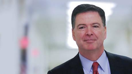 U.S. former Federal Bureau of Investigation (FBI) Director James Comey © REUTERS/Jonathan Ernst