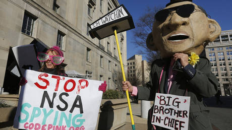 Protest against NSA spying © Reuters / Larry Downing