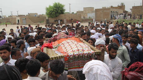FILE PHOTO: Funeral of social media celebrity, Qandeel Baloch © AFP / SS Mizra