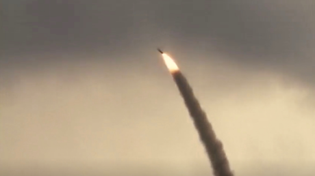 A still image from video footage shows, according to the source, the domestically built mobile missile defence system Bavar-373, taken from a video broadcasted in Iran August 22, 2019. © WANA/Reuters TV