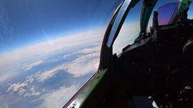 Dogfight at 20km altitude: WATCH Russian MiG-31 intercept intruder in STRATOSPHERE during drill
