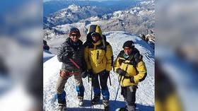 10yo Indian boy summits Russia's Mt. Elbrus en route to climbing 7 of world's highest peaks (PHOTOS)